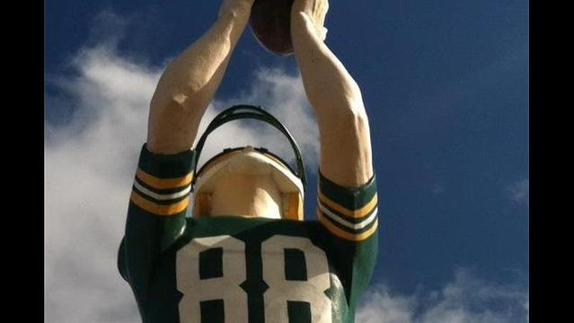 Donald Driver getting street, statue tribute