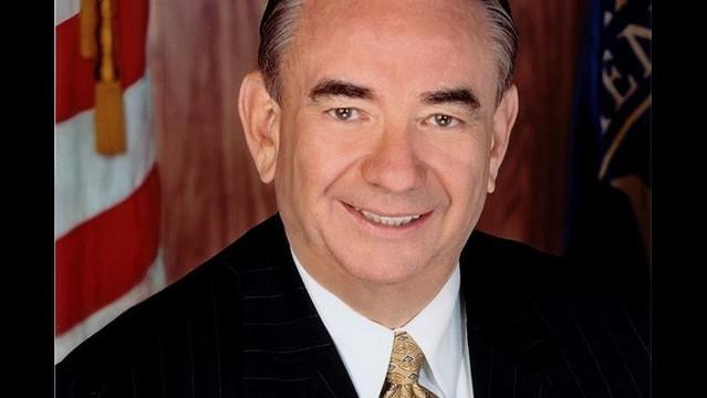 Tommy Thompson talks health care in Green Bay