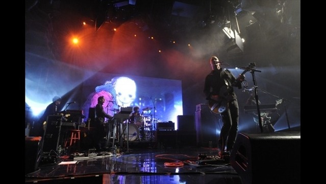 Queens of the Stone Age Live on Letterman Concert