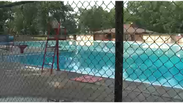 Public weighs in on Colburn Pool options