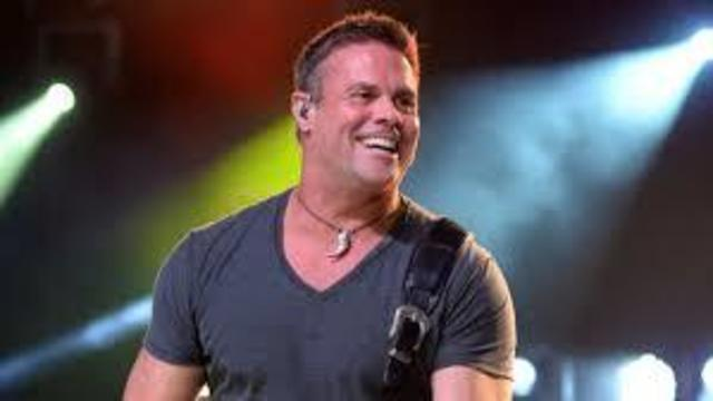 Country singer Troy Gentry killed in crash