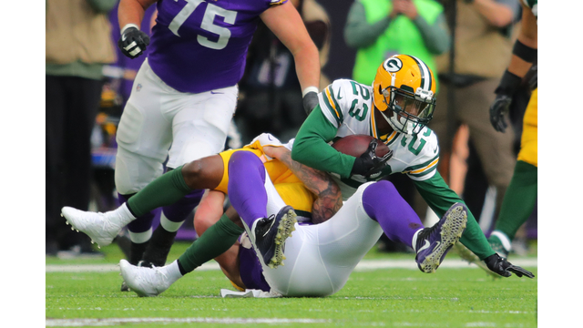 Reports: Packers trade Randall to Cleveland, acquire QB Kizer