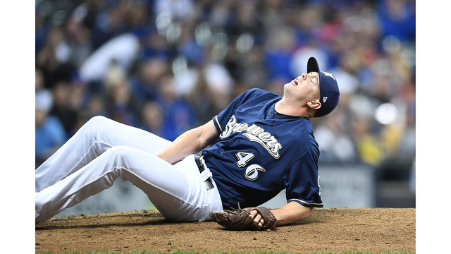 Brewers' Knebel out 'minimum of 6 weeks' with hamstring strain